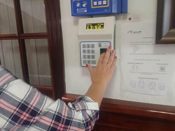 El control de huella digital será implantado en las dependencias municipales. | DA