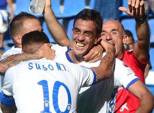 Ifrán, Suso y Vitolo celebran el 2-0. / SERGIO MÉNDEZ