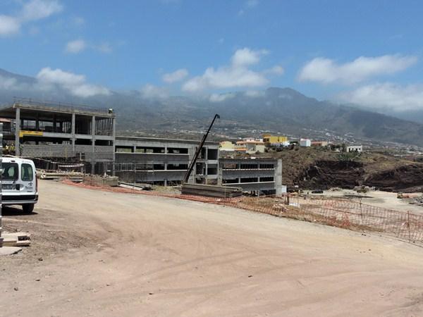Las obras de los edificios marchan a buen ritmo se espera concluirlas en tres meses. / NORCHI