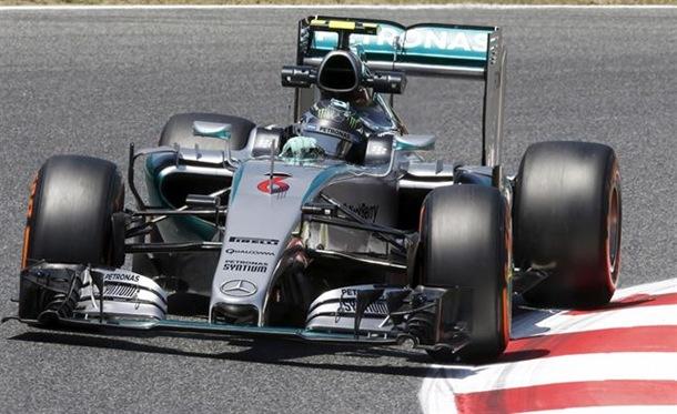 Nico Rosberg (Mercedes) durante la calificación del Gran Premio de España.   REUTERS