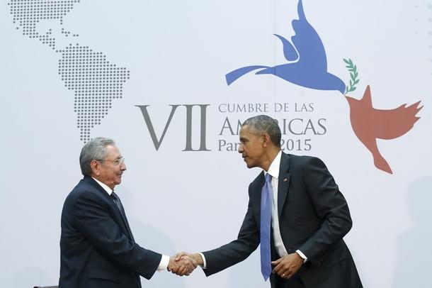 Obama y Castro Cumbre Americas