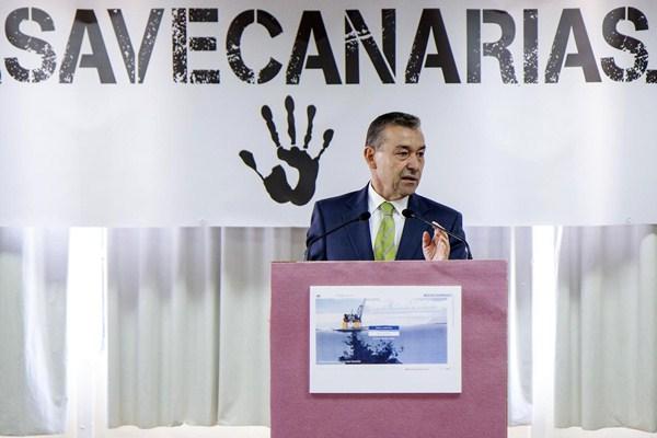 Paulino Rivero, en un acto en Madrid contra los sondeos de Repsol. / DA
