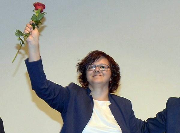 La candidata del PSOE y concejal en el Ayuntamiento Eva García. / DA