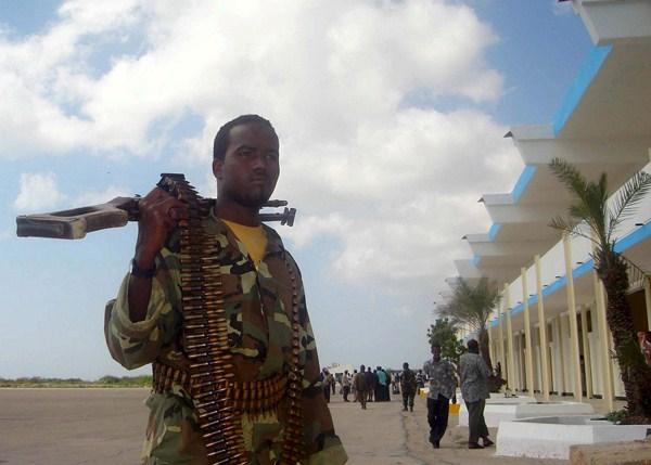 La guerra en varios lugares de África está provocando miles de desplazados y personas que piden asilo. / REUTERS