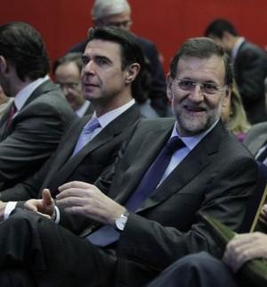 Soria y Rajoy en un acto del PP. | EP