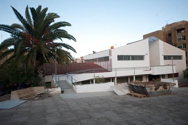 El antiguo colegio de San Pío X se desafectó como centro educativo hace dos años y desde entonces ha sido la principal opción para el IMAS. | F. P.