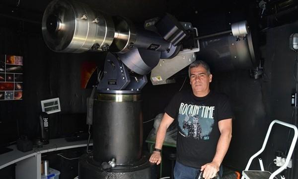 Científicos españoles consiguen la imagen de un planeta once veces más masivo que Júpiter