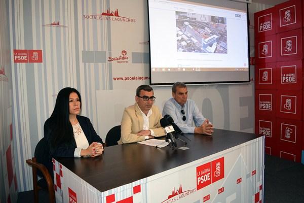 Javier Abreu, ayer durante la presentación de sus propuestas. / DA