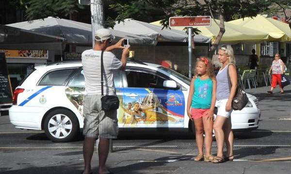 Turistas extranjeros gastaron 12.859 millones en Canarias durante 2015