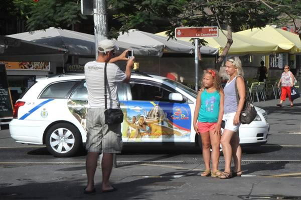 Turistas en Santa Cruz | J. G.
