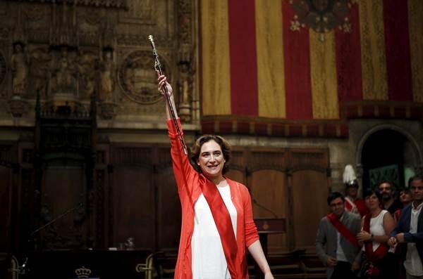 Ada Colau, la primera alcaldesa de la historia de Barcelona. | REUTERS/Albert Gea