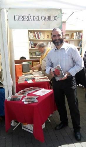 Alfredo López muestra su obra en la Feria del Libro de La Laguna. | DA