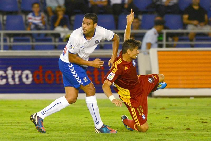 El delantero grancanario quiere continuar defendiendo la camiseta del Club Deportivo Tenerife. | SERGIO MÉNDEZ