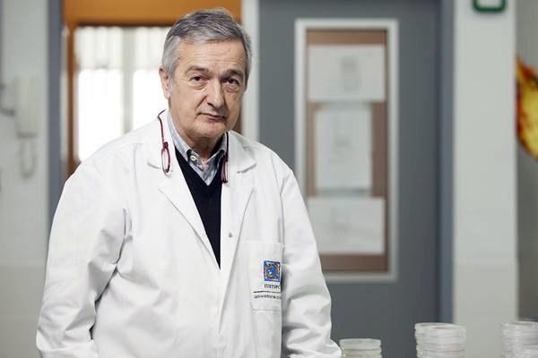 El doctor Basilio Valladares viajará en noviembre a Hungría. / DA