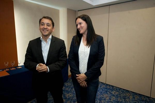 José Manuel Bermúdez y Zaida González, ayer, antes de atender a los medios en el hotel Silken Atlántida. / F. P.