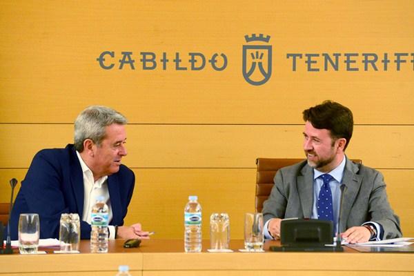 Más de un mes llevan los dos partidos en conversaciones para reeditar el acuerdo de gobernabilidad. / S. M.