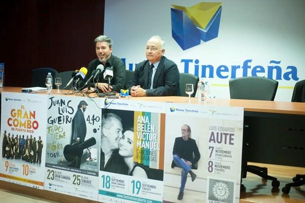 Jairo Núñez (i) y Antonio López de Vergara, ayer, en rueda de prensa. / FRAN PALLERO