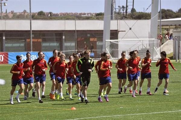 La selección española femenina de fútbol empató ayer con Costa Rica (1-1) en el primer partido de su historia en un Mundial. / EP