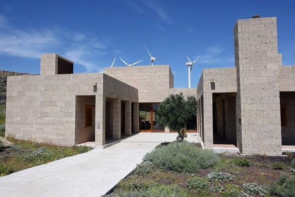 La urbanización experimental ha sido promovida por el ITER en Granadilla y la integran 25 viviendas. / DA