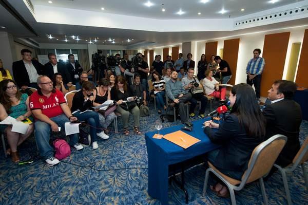 Los concejales electos José Manuel Bermúdez (CC) y Zaida González (PP), el jueves. | FRAN PALLERO