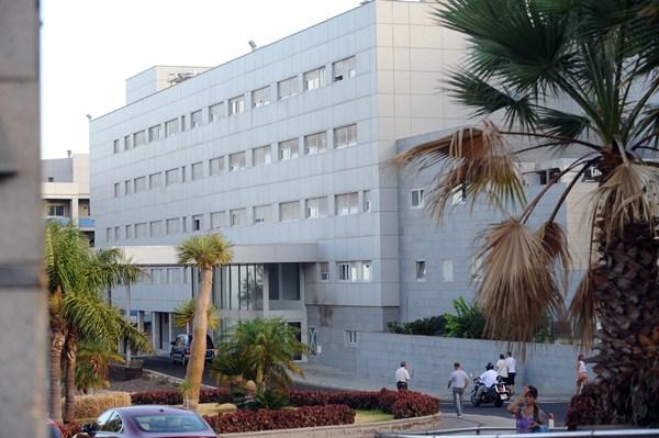 La Gerencia del Hospital de la Candelaria pretende relanzar la actividad quirúrgica los próximos meses. / DA