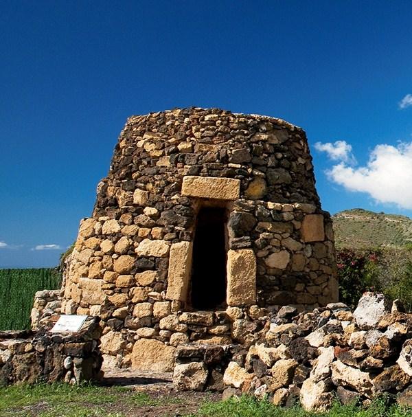 El horno de La Hoya, vestigio del pasado aborigen. / DA