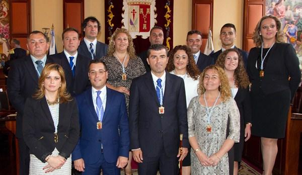 El nuevo Gobierno municipal estará conformado por 13 concejales además del alcalde. / DA