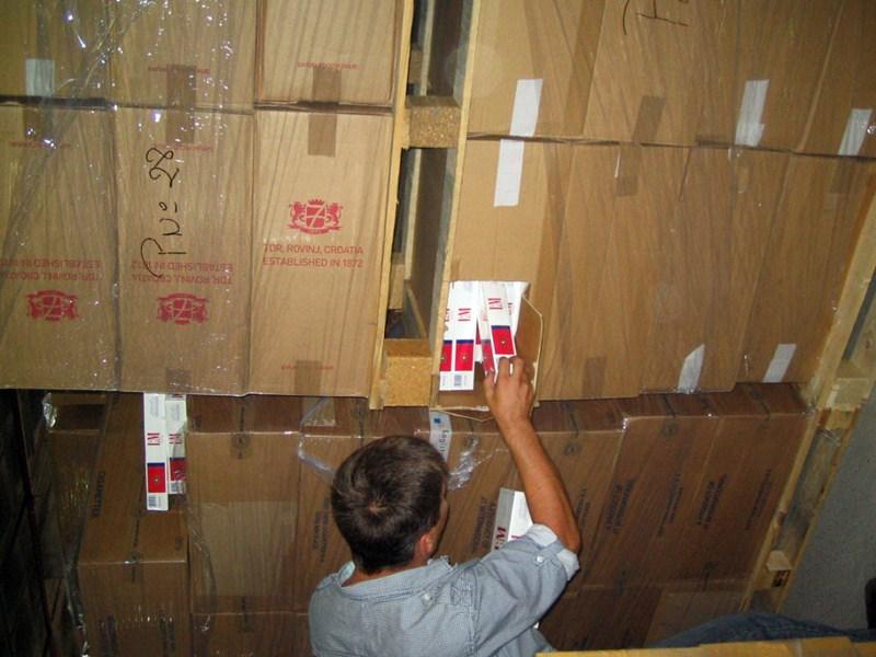 El almacén donde se intervino el supuesto alijo era en realidad un depósito validado por Aduanas. / DA