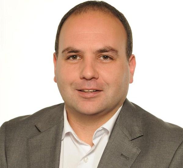 Nombre: Luis Perera- Cargo: Medio Ambiente, Nuevas Tecnologías y Administración Electrónica.- Sueldo: 1.500 euros. / DA
