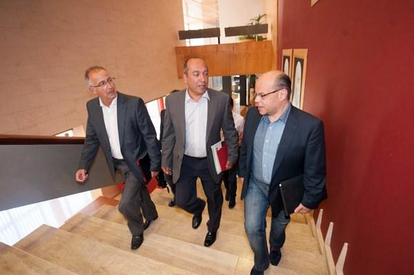 Francisco Hernández Spínola, Julio Cruz y José Miguel Barragán, el lunes. / FRAN PALLERO