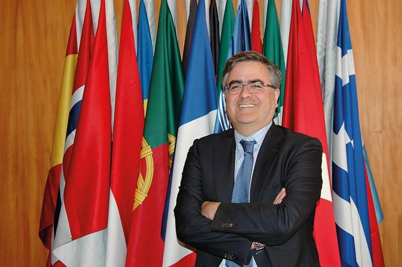 Álvaro Giménez Cañete, director de Ciencia  y Exploración Robótica de la Agencia Espacial Europea (ESA) y responsable del Centro Europeo de Astronomía Espacial (esac). / DA