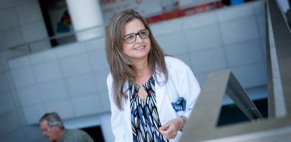 Sagrario Bustabad Reyes es la jefe de Servicio de Reumatología del Hospital Universitario de Canarias. / FRAN PALLERO