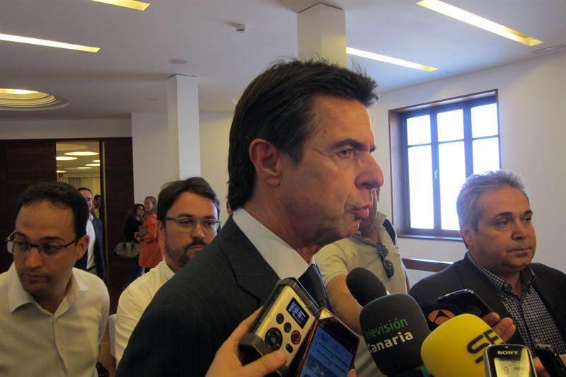 Soria hablando con los medios de comunicación. | EP