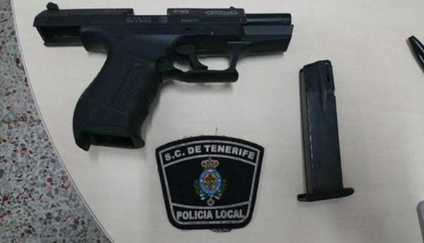 Imagen pistola intervenida / Foto <a href=