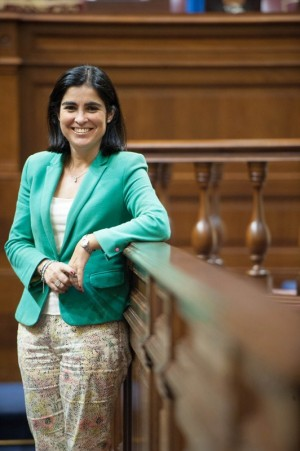 """""""¿Qué me parece que sea la primera presidenta de la historia del Parlamento?  Que ya tocaba"""". / F. P."""