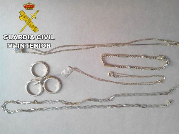 Joyas recuperadas por la Guardia Civil en Lanzarote. | DA