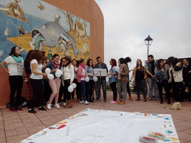 Los alumnos villeros,   durante una de las actividades organizadas. / DA