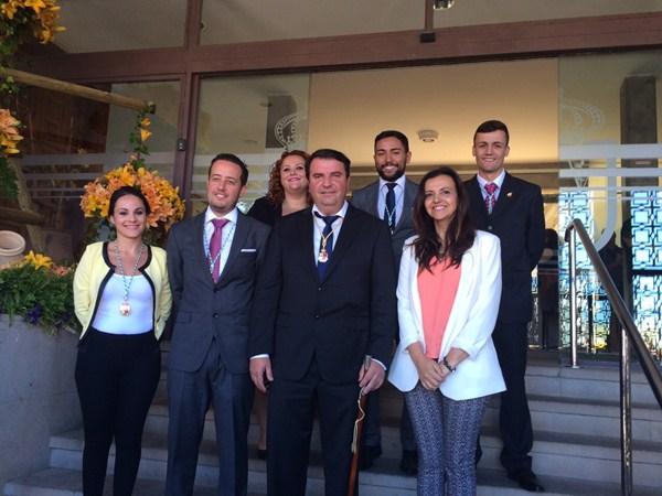 El nuevo gobierno de La Victoria conformado por PP y PSOE. / DA