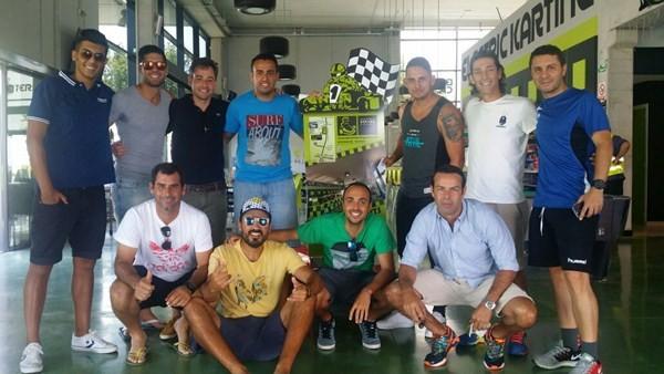 Los miembros del equipo Bullpadel Tecnisur, en un karting en la jornada de ayer.. / DA