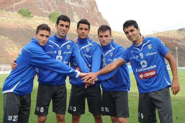 Omar, Ricardo, Héctor, Ayoze García y Ángel consiguieron competir en Primera División. / S.M.