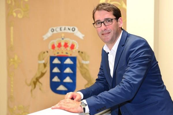 Iñaki Álvaro Lavandera, portavoz del grupo socialista en el  Parlamento de Canarias. / SERGIO MÉNDEZ