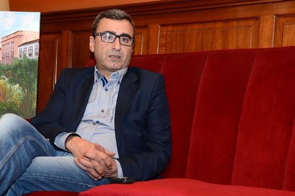Abreu afirma que no dejará su acta como concejal en el Ayuntamiento de La Laguna. / SERGIO MÉNDEZ