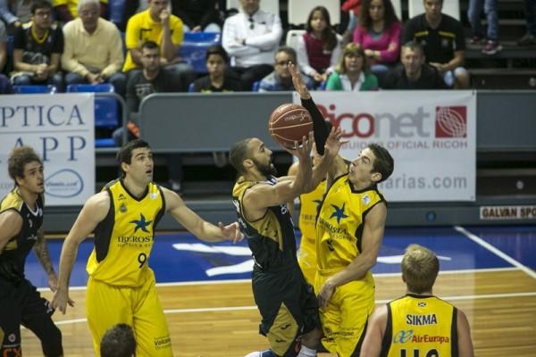 El jugador pretendido por el equipo canarista vendría a sustituir a Ricardo Uriz. / DA