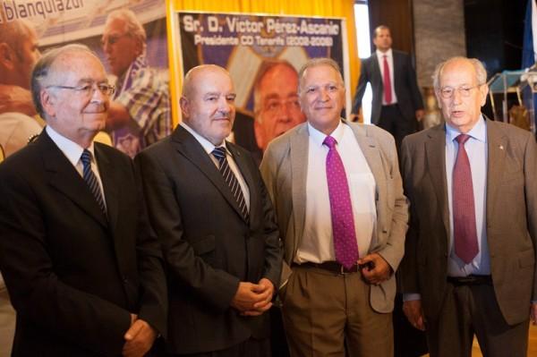 Víctor Pérez Ascanio (i), en la imagen junto a Miguel Concepción, Julio Santaella y el también expresidente José González Carrillo. / FRAN PALLERO