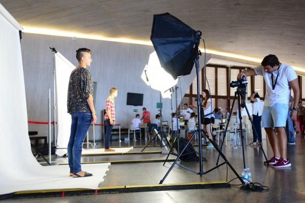 Sesión de fotos a los participantes, celebrada ayer en el Auditorio de Santa Cruz. / SERGIO MÉNDEZ