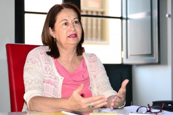 María Dolores Berriel también trasladará a la Consejería las conclusiones del pacto por la educación. / S. M.