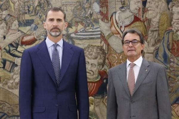 El rey Felipe VI y Artur Mas durante la audiencia. 1 EP