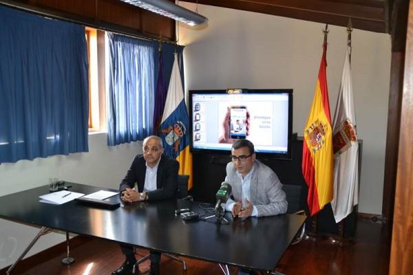 Félix Armas (i) y Javier Abreu, ayer en la presentación. | DA