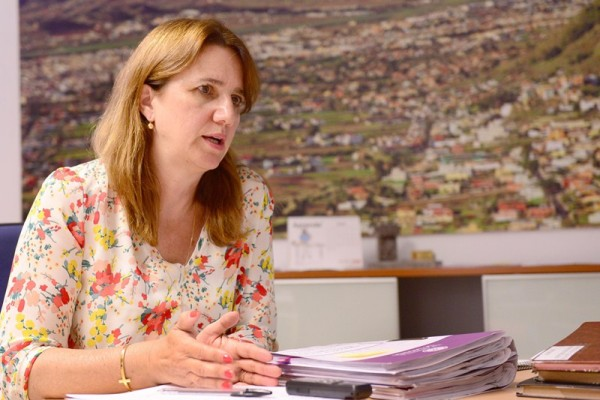 La concejal de Bienestar Social y Vivienda, Flora Marrero. / SERGIO MÉNDEZ