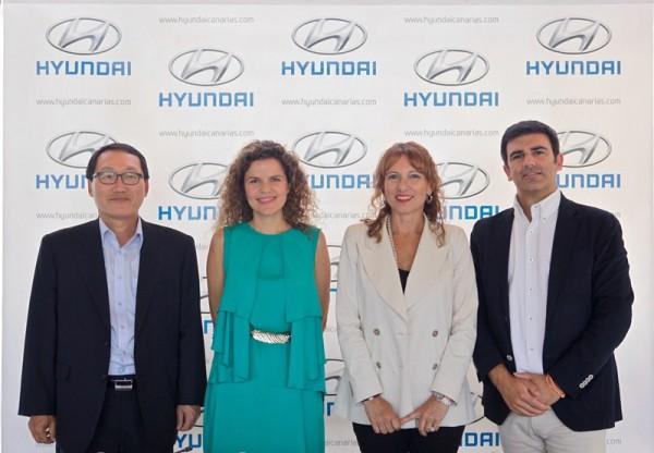 Jun Soo Lee, Irene Gálvez, María Inés Jiménez y Miguel Blanco, durante el acto celebrado ayer. / DA